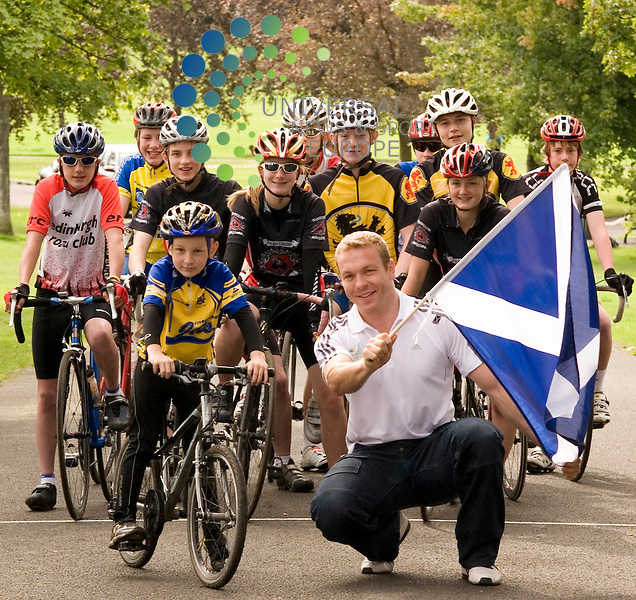 Sir Chris Hoy at Bellahouston park Glasgow, attending the Regional School of Racing . Picture/Johnny Mclauchlan/Universal News and Sport (Scotland) 22/08/2009