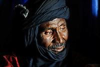 BURKINA FASO Dori, malian refugees, mostly Touaregs, in refugee camp Goudebo of UNHCR, they fled due to war and islamist terror in Northern Mali / BURKINA FASO Dori , malische Fluechtlinge, vorwiegend Tuaregs, im Fluechtlingslager Goudebo des UN Hilfswerks UNHCR, sie sind vor dem Krieg und islamistischem Terror aus ihrer Heimat in Nordmali geflohen, Tuareg ATTIANE AG BADI aus Gao