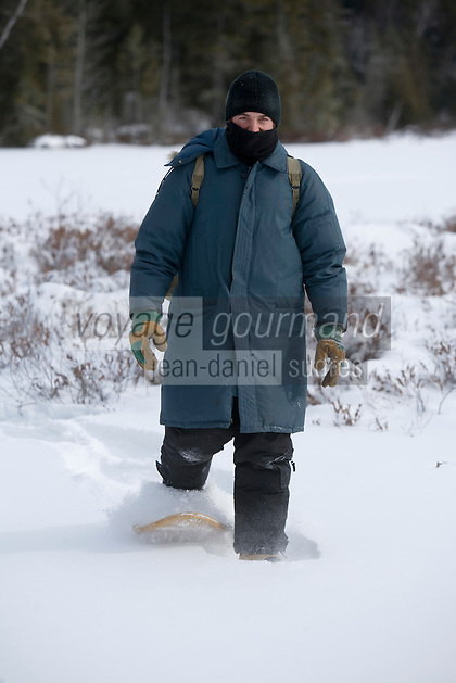 Amérique/Amérique du Nord/Canada/Québec/Mauricie/Saint-Alexis-des-Monts:  A la Pourvoirie du Lac Blanc  rrandonnée en raquettes  avec Gaston le trappeur