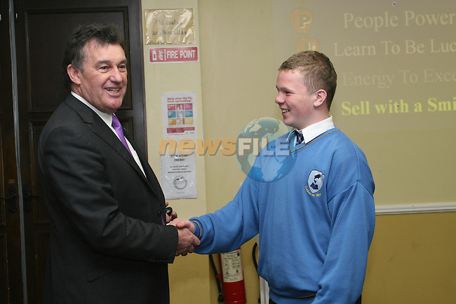 Bill Cullen visits Coláiste na hInse...Photo NEWSFILE/Jenny Matthews.(Photo credit should read Jenny Matthews/NEWSFILE)....This Picture has been sent you under the condtions enclosed by:.Newsfile Ltd..The Studio,.Millmount Abbey,.Drogheda,.Co Meath..Ireland..Tel: +353(0)41-9871240.Fax: +353(0)41-9871260.GSM: +353(0)86-2500958.email: pictures@newsfile.ie.www.newsfile.ie.FTP: 193.120.102.198.