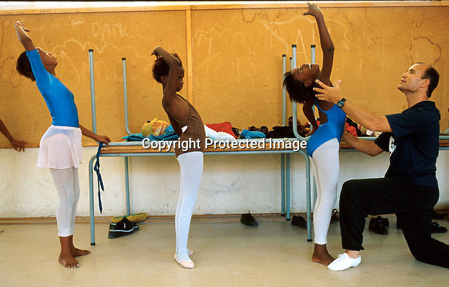 "Ballet dancers in the ""Dance for All "", programme started by the Capetown City Ballet for unpriviliged children in Khayelitsha and Guguletu, poor townships outside Capetown, South Africa. .Photo: Per-Anders Pettersson/Agentur Focus"