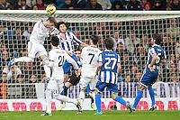 ATENCAO EDITOR IMAGEM EMBARGADA PARA VEICULOS INTERNACIONAIS - MADRI, ESPANHA, 16 DEZEMBRO 2012 - CAMP. ESPANHOL - REAL MADRID - ESPANYOL - Sergio Ramos (E) jogador do Real Madrid durante partida contra o Espanyol pela 16 rodada do Campeonato Espanhol, no Estadio Santiago Bernabeu em Madri, capital da Espanha. A partida terminou 2 a 2. (FOTO: CESAR CEBOLLA / ALFAQUI / BRAZIL PHOTO PRESS).
