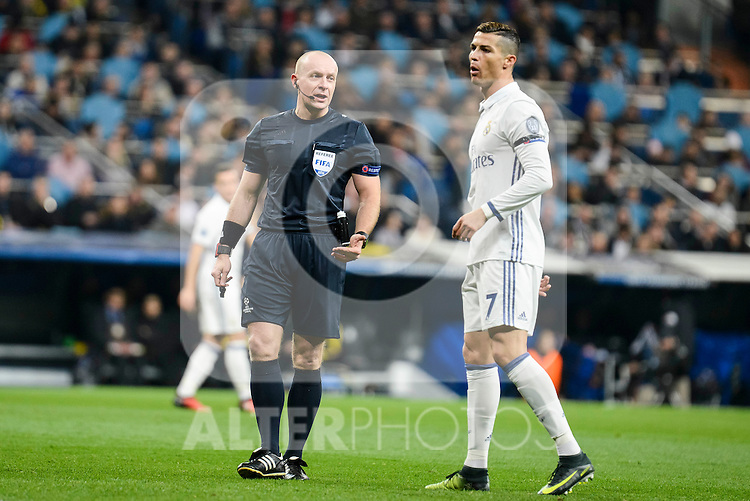 Real Madrid's Cristiano Ronaldo talking with the referee during the UEFA Champions League match between Real Madrid and Borussia Dortmund at Santiago Bernabeu Stadium in Madrid, Spain. December 07, 2016. (ALTERPHOTOS/BorjaB.Hojas)