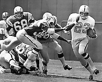 Oakland Raiders Charlie Smith runs against the San Diego Chargers (1970 photo by Ron Riesterer)