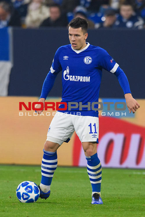 11.12.2018, VELTINS Arena, Gelsenkirchen, Deutschland, GER, UEFA Champions League, Gruppenphase, Gruppe D, FC Schalke 04 vs. FC Lokomotiv Moskva / Moskau<br /> <br /> DFL REGULATIONS PROHIBIT ANY USE OF PHOTOGRAPHS AS IMAGE SEQUENCES AND/OR QUASI-VIDEO.<br /> <br /> im Bild Yevhen Konoplyanka (#11 Schalke)<br /> <br /> Foto &copy; nordphoto / Kurth