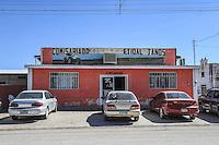 JANOS, CHIHUAHUA MEXICO.<br /> Janos is a village in the Mexican state of Chihuahua, located in the extreme northwest of the territory, near the border with the United States and the state of Sonora, is head of Janos Municipality.<br /> Janos es un pueblo del estado mexicano de Chihuahua, localizado en el extremo noroeste del territorio, cercano a la frontera con Estados Unidos y con el estado de Sonora, es cabecera del Municipio de Janos.<br /> <br /> Located at the northern end of the Nueva Vizcaya on the border with New Mexico and in the desert and indigenous tribes hostile region Janos take long to be explored and colonized by the Spaniards, as elsewhere, the first to be they ventured her were the Franciscan missionaries who in the seventeenth century were devoted to the exploration and conversion of indigenous groups in the region, were Franciscans that the year of 1640 founded what is now the town of Janos as a mission and they gave the name of Soledad de Janos, the name comes from the main tribe of the region, Janos, now extinct. However, frequent indigenous revolts entailed the destruction of the mission, so by order of the viceregal authority called military garrisons, which were points at which a military company was established fixed to combat the rebels were established, the October 16, 1686 the Presidium of Santiago de Janos was established by General. Juan Fernandez de la Fuente.<br /> <br /> Ubicada en el extremo norte de la Nueva Vizcaya en los límites con Nuevo México y en medio del desierto y de tribus indígenas hóstiles, la región de Janos tardó mucho en ser explorada y colonizada por los españoles, como en otras regiones, los primeras que se aventuraron a ella fueron los misioneros franciscanos, que durante el Siglo XVII se dedicaron a la exploración y conversión de los grupos indígenas de la región, fueron padres franciscanos los que el año de 1640 fundaron lo que hoy es el pueblo de Janos como una misión y le dieron el nombre de Soledad de Jano