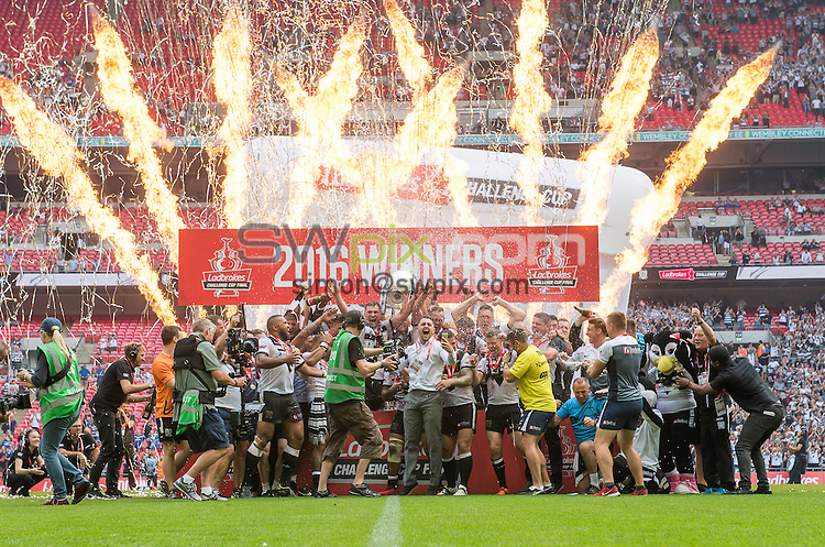 Picture by Allan McKenzie/SWpix.com - 27/08/2016 - Rugby League - Ladbrokes Challenge Cup Final - Hull FC v Warrington Wolves - Wembley Stadium, London, England - Hull FC celebrate their victory over Warrington Wolves in the Ladbroke Challenge Cup final.