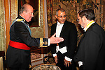 Madrid, (24/10/10).- S.M. El Rey D. Juan Carlos de Borbon recibe las cartas credenciales del Embajador de la Republica del Yemen, excmo. Senor, Moustapha Ahmed Noman en El Palacio Real......King Juan Carlos I of Spain presided the Credential Cards giving to diplomatics in Spain...Photo: Alex Cid-Fuentes / ALFAQUI