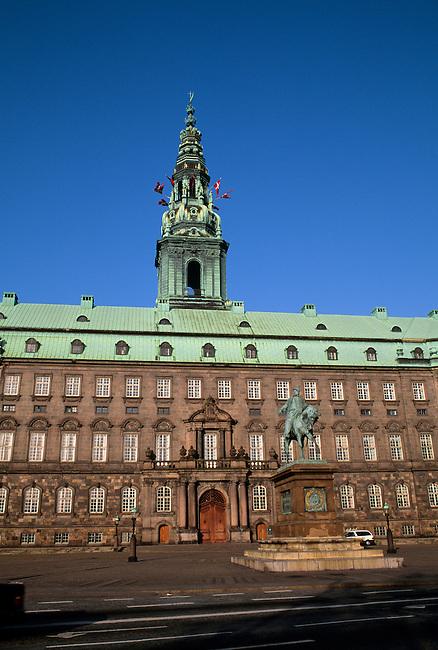 DENMARK, COPENHAGEN, OLD TOWN, PARLIAMENT