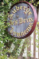 France, Calvados (14), Pays d' Auge, Pierrefitte-en-Auge: Enseigne de l' Auberge des deux tonneaux// France, Calvados, Pays d' Auge, Pierrefitte en Auge: Auberge des deux tonneaux sign