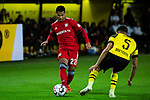 10.11.2018, Signal Iduna Park, Dortmund, GER, 1.FBL, Borussia Dortmund vs FC Bayern M&uuml;nchen, DFL REGULATIONS PROHIBIT ANY USE OF PHOTOGRAPHS AS IMAGE SEQUENCES AND/OR QUASI-VIDEO<br /> <br /> im Bild | picture shows:<br /> Serge Gnabry (Bayern #22) im Duell mit Achraf Hakimi (Borussia Dortmund #5), <br /> <br /> Foto &copy; nordphoto / Rauch
