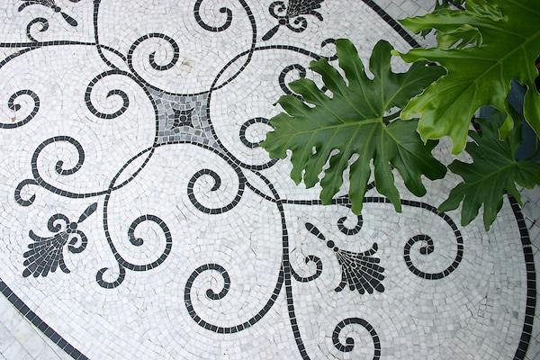 "46"" X 76"" Nautilus Scroll medallion in Carrara, Kay's Green, Nero Marquina"