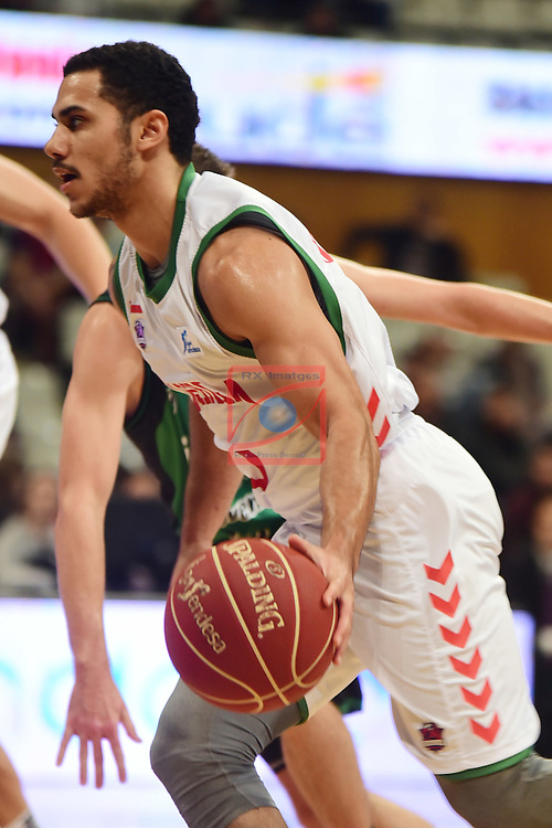 League ACB-ENDESA 2016/2017. Game: 5.<br /> Divina Seguros Joventut vs Baskonia: 83-90.<br /> Shane Larkin.