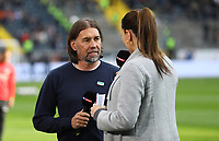 Trainer Martin Schmidt (FC Augsburg) mit Sky Moderatorin Esther Sedlacek- 14.04.2019: Eintracht Frankfurt vs. FC Augsburg, Commerzbank Arena, 29. Spieltag DISCLAIMER: DFL regulations prohibit any use of photographs as image sequences and/or quasi-video.