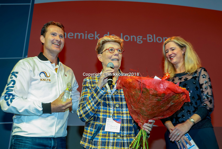 Nieuwegein,  Netherlands, 9 November 2018, Coaches congress KNLTB, Annemiek de Jong-Blom in the hall of fame<br /> Photo: Tennisimages.com/Henk Koster