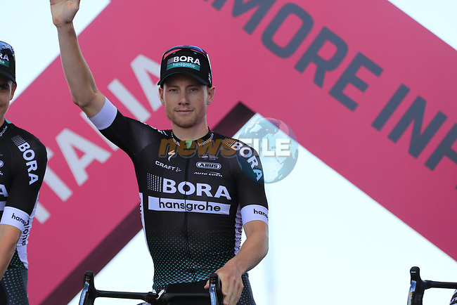 Sam Bennett (IRL) Bora-Hansgrohe at the Team Presentation in Alghero, Sardinia for the 100th edition of the Giro d'Italia 2017, Sardinia, Italy. 4th May 2017.<br /> Picture: Eoin Clarke | Cyclefile<br /> <br /> <br /> All photos usage must carry mandatory copyright credit (&copy; Cyclefile | Eoin Clarke)