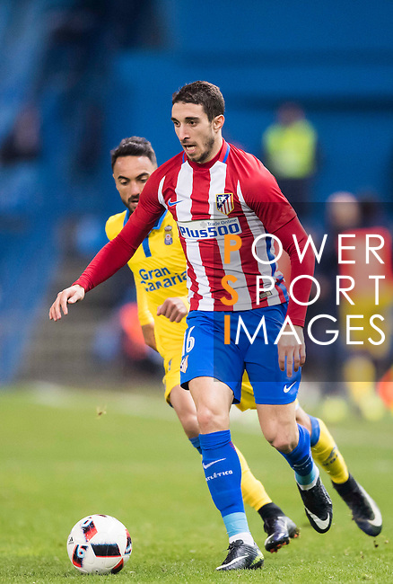 "Sime Vrsaljko (r) of Atletico de Madrid fights for the ball with Jeronimo Figueroa Cabrera ""Momo"" of UD Las Palmas during their Copa del Rey 2016-17 Round of 16 match between Atletico de Madrid and UD Las Palmas at the Vicente Calderón Stadium on 10 January 2017 in Madrid, Spain. Photo by Diego Gonzalez Souto / Power Sport Images"