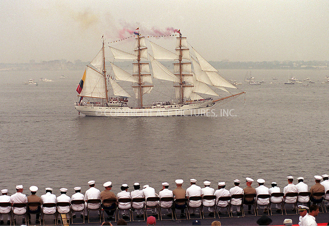 TALL AND MILITARY SHIPS IN NEW YORK HARBOUR TO CELEBRATE THE 4TH OF JULY. New York, July 4, 2000...Please byline: AJ SOKLANER/NY Photo Press.   ..*PAY-PER-USE*      ....NY Photo Press:  ..phone (646) 267-6913;   ..e-mail: info@nyphotopress.com........Statue of Liberty