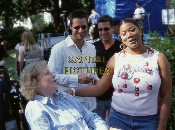 Queen Latifah (right) jokes with Betty White (seated) off-camera. ñBringing Down the House,î.Filmstill - Editorial Use Only .Ref: FBAW .www.capitalpictures.com.sales@capitalpictures.com.Supplied by Capital Pictures
