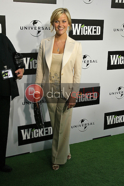 """Reese Witherspoon<br /> at the LA Premiere of Universal's """"Wicked,"""" Pantages Theater, Hollywood, CA 06-22-05<br /> David Edwards/DailyCeleb.Com 818-249-4998"""
