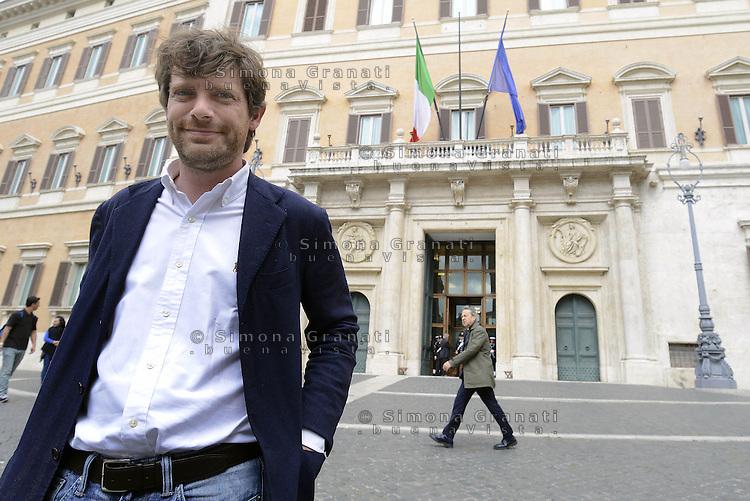 Roma, 30 Aprile 2015<br /> Pippo Civati davanti il Parlamento.<br /> Votata le seconda fiducia alla Legge elettorale