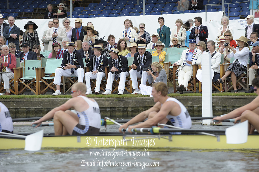 Henley, Great Britain.  Kent School USA supporters watch as their crew is beaten during the Temple Challenge Cup  2009 Henley Royal Regatta Friday 03/07/2009 at  [Mandatory Credit. Peter Spurrier/Intersport Images] . HRR.