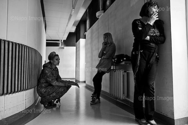 Kielce 06 June 2009 Poland.<br /> Preparations for the fashion show during Fashion Festival off<br /> (Photo by Filip Cwik / Napo Images dla Newsweek Poland).<br /> <br /> Kielce 06 czerwiec 2009 Polska.<br /> Przygotowania do pokazu mody podczas festiwalu Fashion off.<br /> (fot. Filip Cwik / Napo Images for Newsweek Polska