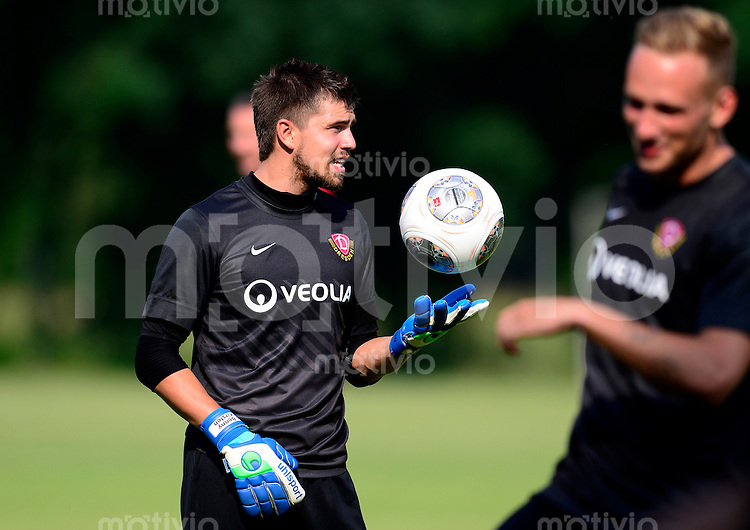 Fussball, 2. Bundesliga, Saison 2013/14, SG Dynamo Dresden, Trainingsauftakt, Donnerstag (20.06.2013).  Dresdens Torwart Benjamin Kirsten.
