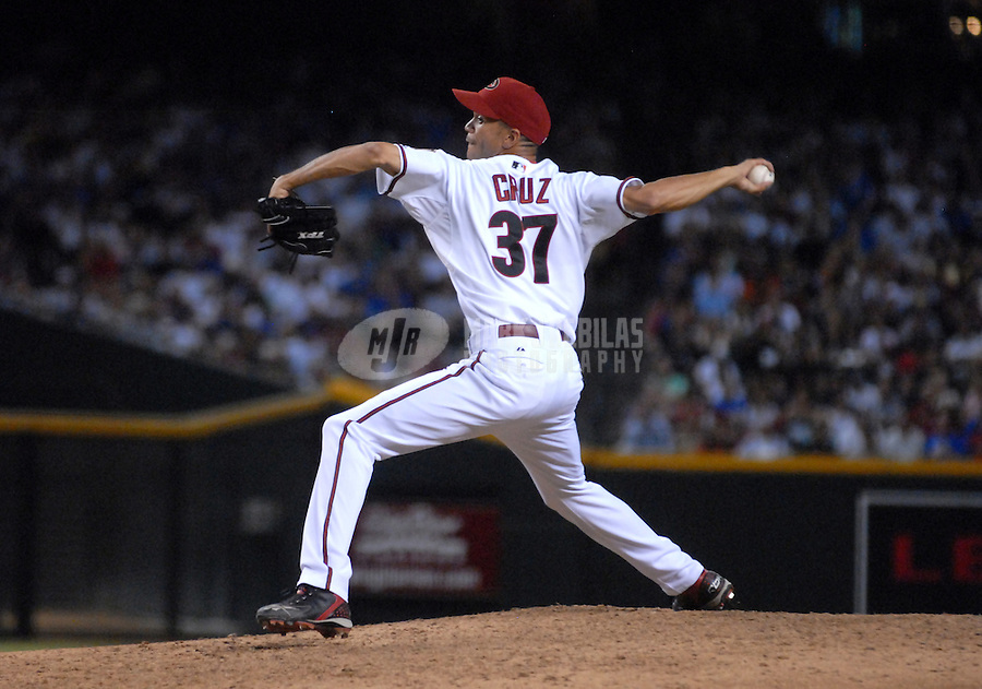 Aug 24, 2007; Phoenix, AZ, USA; Arizona Diamondbacks pitcher (37) Juan Cruz against the Chicago Cubs at Chase Field. Mandatory Credit: Mark J. Rebilas-US PRESSWIRE Copyright © 2007 Mark J. Rebilas