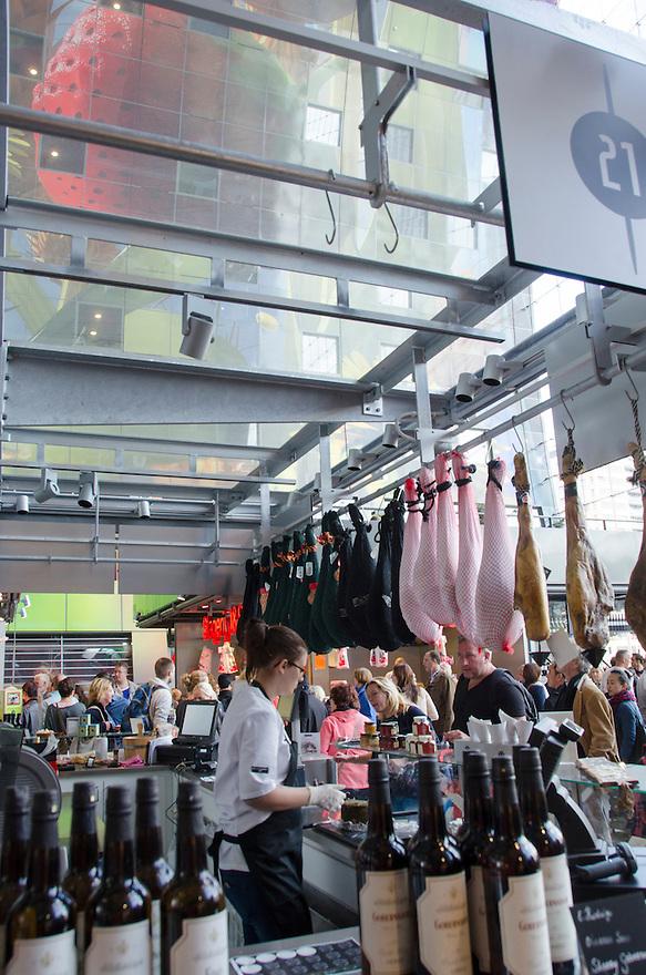 10okt2014<br /> Ecxclusive Spaanse wijnen en hammen in de nieuwe markthal in Rotterdam.<br /> (c)renee teunis