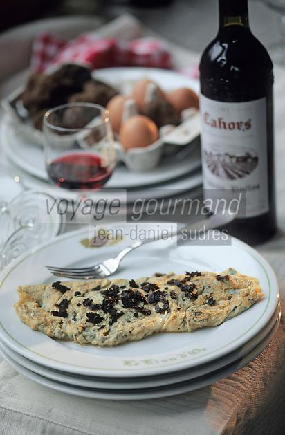 """Europe/France/Midi-Pyrénées/46/Lot/Causse de Limogne/Lalbenque: L'omelette aux truffes du restaurant """"Le Lion d'Or"""""""