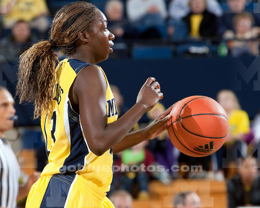 11/19/09 Women's basketball vs. Southern Miss at Crisler Arena.