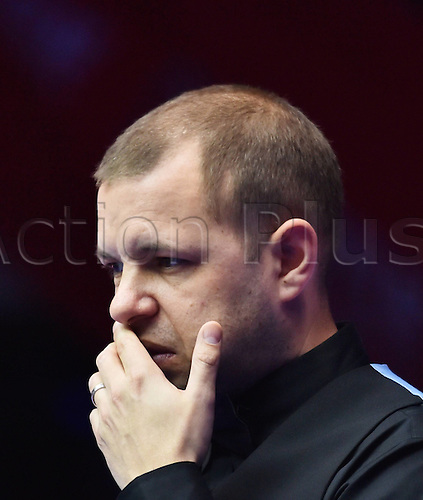 30.03.2016. Beijing, China.  Barry Hawkins of England competes during the first round match against Tian Pengfei of China at the 2016 World Snooker China Open in Beijing, capital of China, March 30, 2016. Tian pengfei won 5-4. ) (SP)CHINA-BEIJING-SNOOKER-CHINA OPEN (CN) LixWen