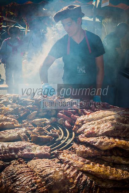 France, Aquitaine, Pyrénées-Atlantiques, Pays Basque, Espelette: Parrillada pendant la fête du piment d'Espelette //  France, Pyrenees Atlantiques, Basque Country, Espelette:  Parrillada during Espelette pepper festival