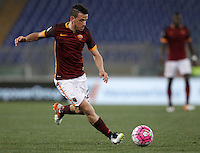 Calcio, Serie A: Roma vs Bologna. Roma, stadio Olimpico, 11 aprile 2016.<br /> Roma&rsquo;s Alessandro Florenzi in action during the Italian Serie A football match between Roma and Bologna at Rome's Olympic stadium, 11 April 2016.<br /> UPDATE IMAGES PRESS/Isabella Bonotto