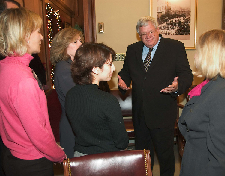 12/07/04.INTELLIGENCE REFORM CONFERENCE REPORT--House Speaker J. Dennis Hastert, R-Ill., meets with 911 family members and Rep. Carolyn B. Maloney, D-N.Y., right, before the vote on the intelligence reform bill in the House..CONGRESSIONAL QUARTERLY PHOTO BY SCOTT J. FERRELL