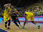 15.05.2018, EWE Arena, Oldenburg, GER, BBL, Playoff, Viertelfinale Spiel 4, EWE Baskets Oldenburg vs ALBA Berlin, im Bild<br /> <br /> Isaiah PHILMORE (EWE Baskets Oldenburg #31) Rickey PAULDING (EWE Baskets Oldenburg #23)<br /> Peyton SIVA (ALBA Berlin #3 )<br /> Foto &copy; nordphoto / Rojahn