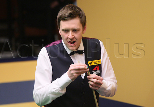 28.04.2013 Sheffield, England. Robert Milkins in action against Ricky Walden during the 2nd Round of the World Snooker Championships from The Crucible Theatre.