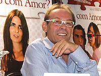 """ATENCAO EDITOR FOTO DE ARQUIVO DE 22/01/2008 - O ator José Wilker durante coletiva do filme """"Sexo com Amor"""" em um hotel na regiao sul de São Paulo, em 22/01/2008. O ator José Wilker morreu na manhã deste sábado (5) em sua casa no Rio de Janeiro. Ainda não há informações oficiais sobre a causa da morte, mas suspeita-se que ele tenha morrido por infarto. (Foto: William Volcov / Brazil Photo Press)."""