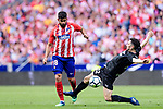 Diego Costa of Atletico de Madrid (L) fights for the ball with Paulo Oliveira of SD Eibar (R) during the La Liga match between Atletico Madrid and Eibar at Wanda Metropolitano Stadium on May 20, 2018 in Madrid, Spain. Photo by Diego Souto / Power Sport Images