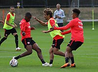 Chico Geraldes (Eintracht Frankfurt), Chico Geraldes (Eintracht Frankfurt), Deji Beyreuther (Eintracht Frankfurt)) - 28.08.2018: Eintracht Frankfurt Training, Commerzbank Arena, DISCLAIMER: DFL regulations prohibit any use of photographs as image sequences and/or quasi-video.
