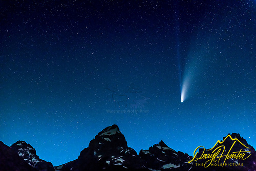 Neowise Comet zooming above the Greater Yellowstone