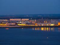 Blick vom S&uuml;llberg auf Elbe und Airbus-Gel&auml;nde, Hamburg, Deutschland, Europa<br /> river Elbe and Airbus Area , Blankenese, Hamburg, Germany, Europe