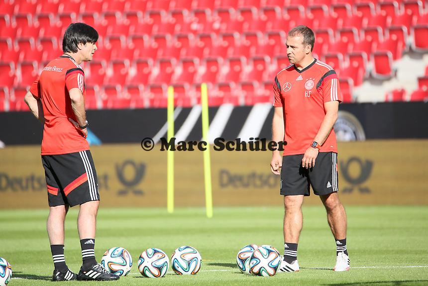 Bundestrainer Joachim Löw und Hansi Flick (D) - Abschusstraining Nationalmannschaft in Mainz