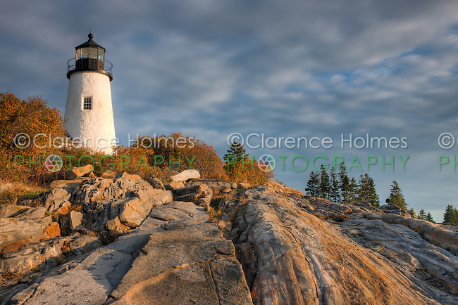 Pemaquid Point Lighthouse perched on fantastic rock formations, Bristol, Maine