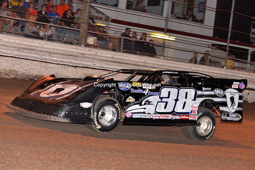 Feb 20, 2014; 7:03:54 PM;  Barberville, FL, USA;  World of Outlaws Late Model Series for 43rd Annual DIRTcar Nationals presented by Summit Racing Equipment at Volusia Speedway Park.  Mandatory Credit: (thesportswire.net)