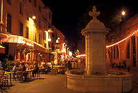 outdoor café, France, Antibes, Cote d' Azur, Provence, Alpes-Maritimes, Europe, Outdoor cafés along the streets of Antibes in the evening.