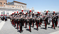 La Banda dei Carabinieri entra in Piazza San Pietro per l'udienza con Papa Francesco in occasione del bicentenario della fondazione, Citta' del Vaticano, 6 giugno 2014.<br /> Carabinieri paramilitary police corps' band enters St. Peter's Square for the start of an audience with Pope Francis on the occasion of the 200th anniversary foundation, in Vatican City, 6 June 2014.<br /> UPDATE IMAGES PRESS/Isabella Bonotto<br /> <br /> STRICTLY ONLY FOR EDITORIAL USE