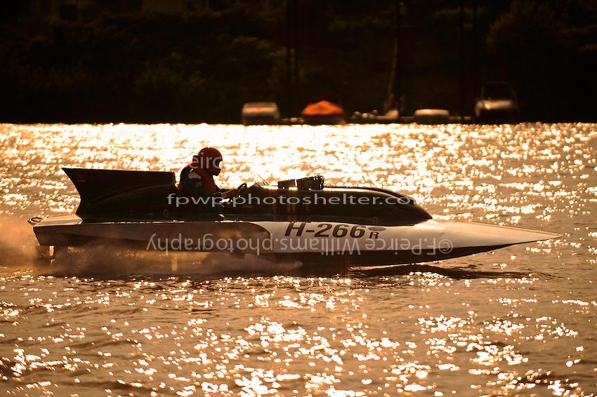 "Scott Kirshner, H-266 ""Miss Supersonic II"" , 7 Litre hydroplane"