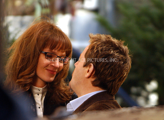 WWW.ACEPIXS.COM . . . . .  ....NEW YORK, NOVEMBER 18, 2005....Uma Thurman and Eddie Izzard on the set of 'Super Ex Girlfriend' filming downtown.....Please byline: AJ Sokalner - ACE PICTURES..... *** ***..Ace Pictures, Inc:  ..Philip Vaughan (212) 243-8787 or (646) 769 0430..e-mail: info@acepixs.com..web: http://www.acepixs.com